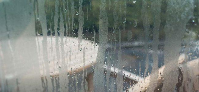 raam met condensatie